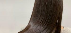 倉敷の美容院コルテの艶髪女性のモデルの後ろ髪